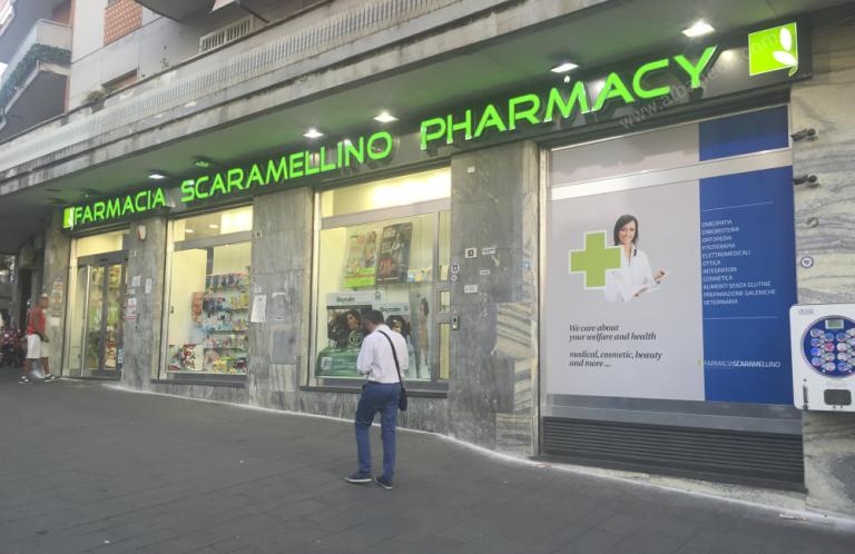 Lettere scatolate per farmacie con frontale in plastica