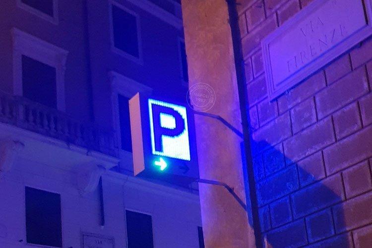 P parcheggio luminosa a led