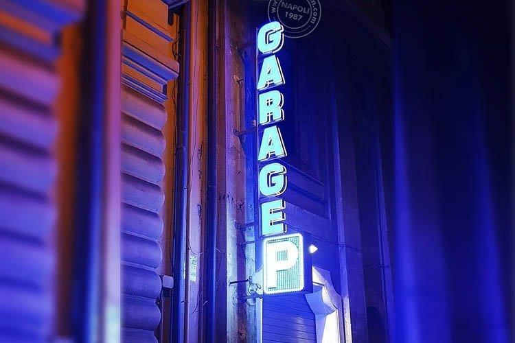 insegne garage a lettere singole e P a led a vista