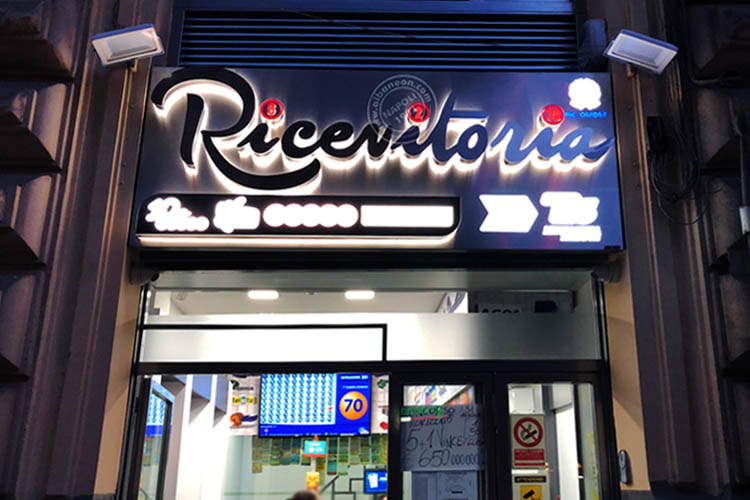 Insegne per ricevitorie lettere scatolate luminose a led