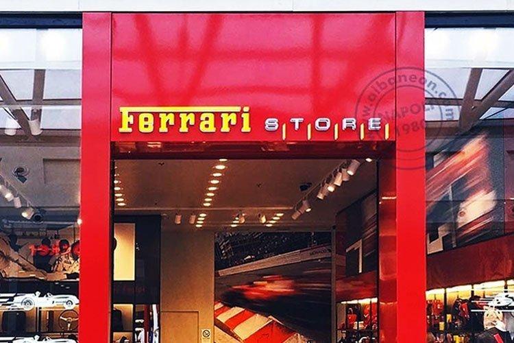 insegne Ferrari con lettere singole in plastica in rilievo per effetto 3D
