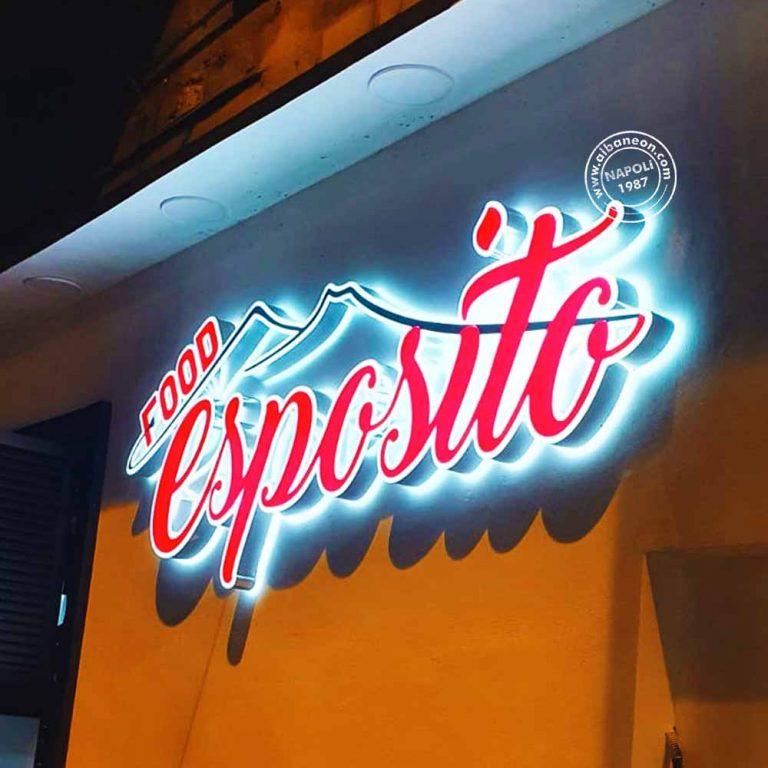 Insegne per bar a Napoli realizzate con lettere scatolate luminose a led con luce frontale attraverso plexiglass diffusore e luce riflessa.