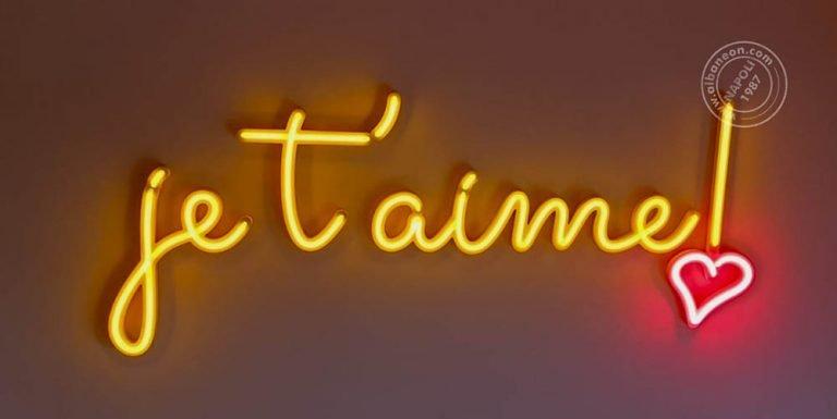Scritta luminosa realizzata con neon led per ottenere un'insegna dall'aspetto vintage