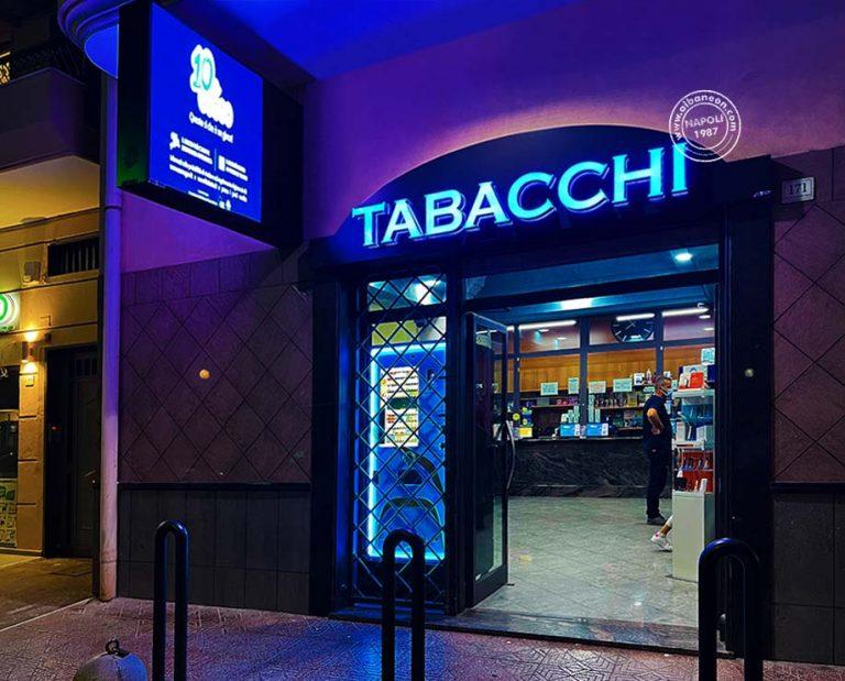 Lettere scatolate luminose a led e box bifacciale con ledwall per esterni alta luminosità per tabacchi a Napoli.